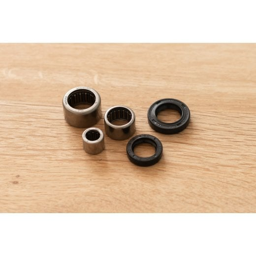 Motone Clutch side engine casing bearing/Seal Kit LC